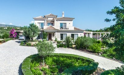 Magnificent villa with swimming pool near Quelfes and Moncarapacho