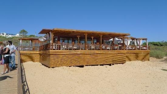 The Praia Verde beach bar
